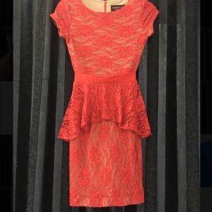 Marc Bouwer 0p red peplum lace cocktail dress